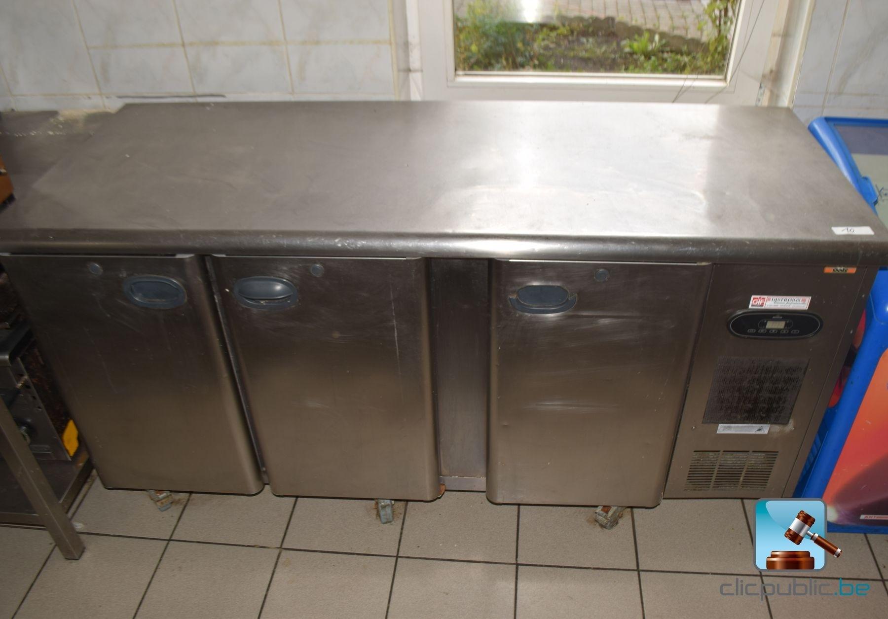 Lage koelkast gamko in rvs op wielen ref 10 te koop op for Rvs ladenblok op wielen