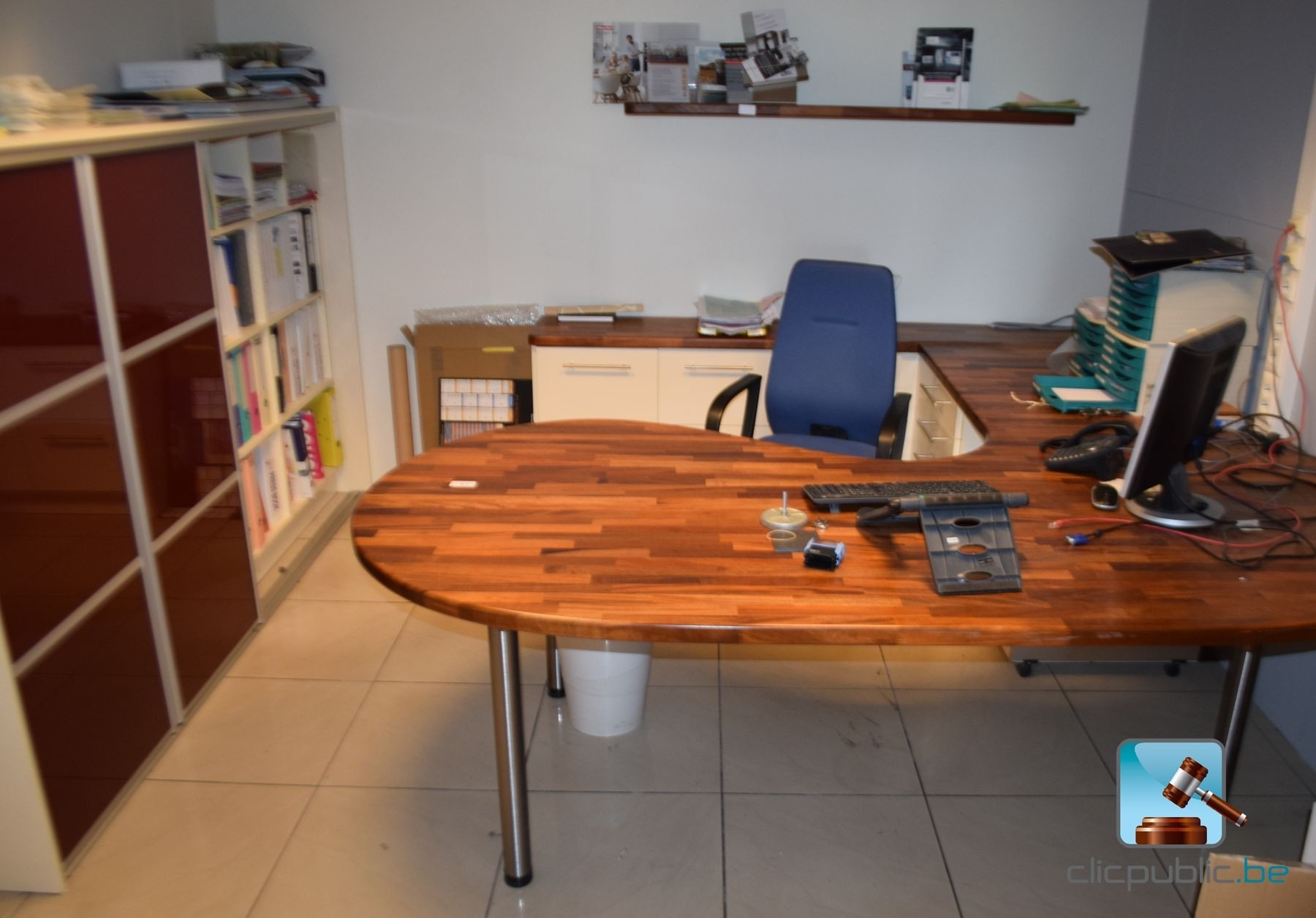 uitgeruste kantoor ensemble de bureau ref 17 te koop. Black Bedroom Furniture Sets. Home Design Ideas