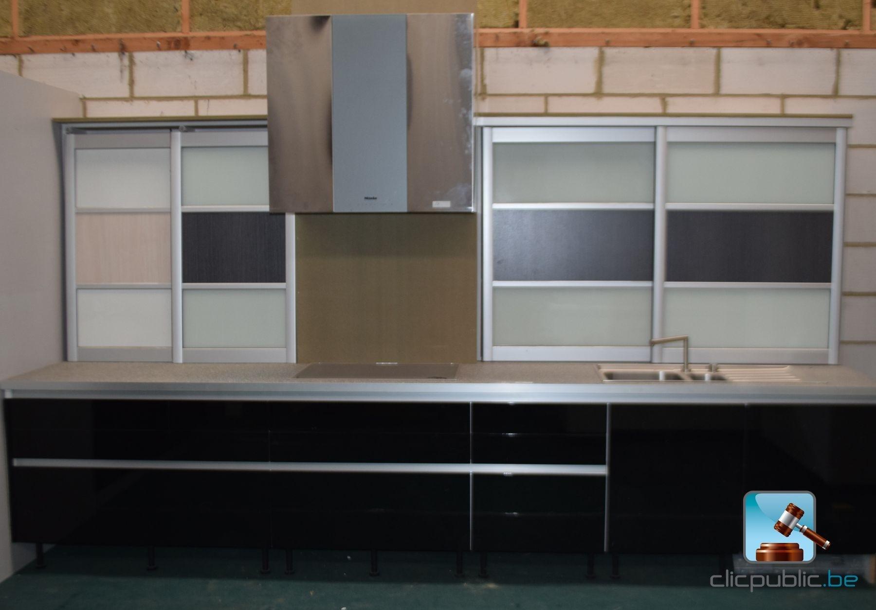 Keuken design laqu e noir aluminium et inox ref 68 te koop op - Keuken meuble noir ...
